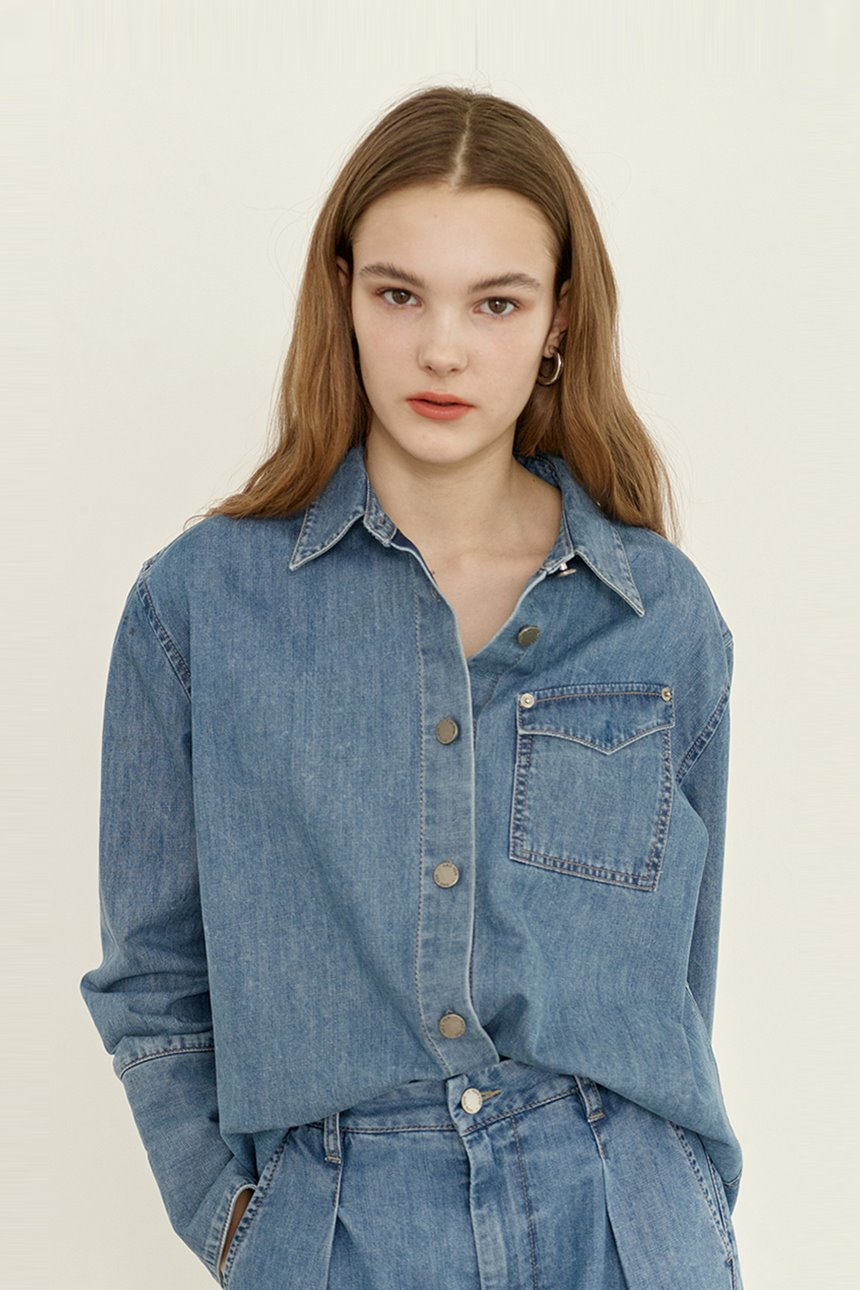 [정려원,손담비착용]MEOCHEWAT One pocket denim shirt (Light blue)